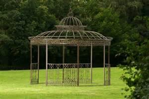 la pergola en fer forg 233 est une d 233 coration fonctionnelle pour vos jardins