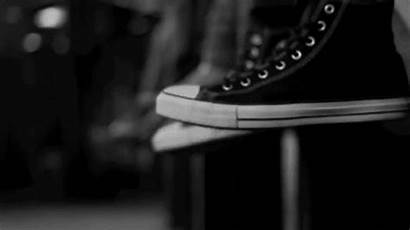 Shoe Converse Gifs Temps Sneakers Giphy Lovethispic