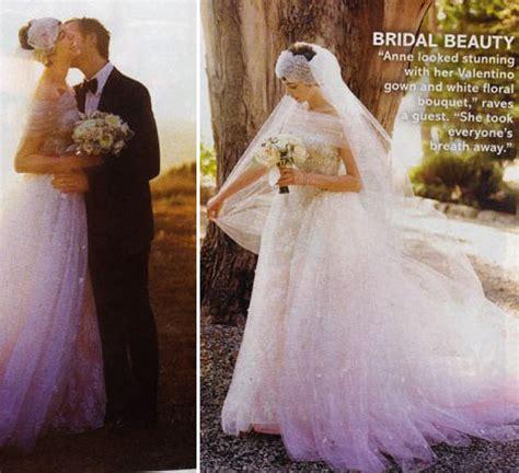 heres anne hathaways valentino wedding dress stylefrizz