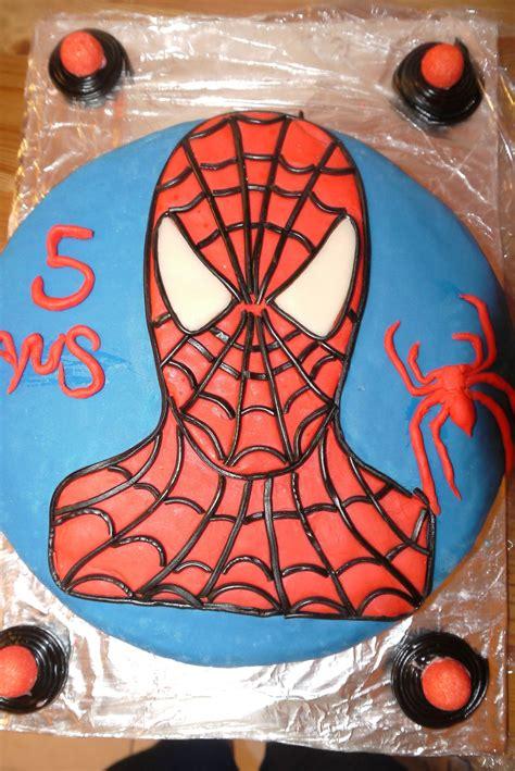 spiderman photo de gateaux pate  sucre les lysmadises