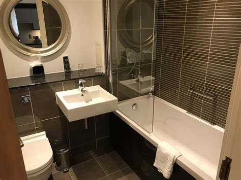 Hotels In Scotland With Tub - lounge picture of fraser suites glasgow glasgow