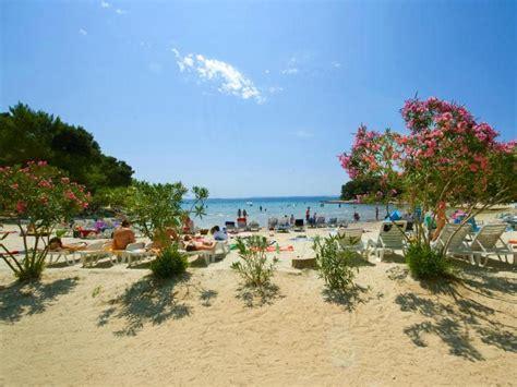 villaggio pine beach pakostane  inclusive croazia