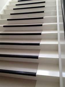 Treppe Renovieren Pvc : linoleum pvc auf einer treppe verlegen treppen kaufen ~ Markanthonyermac.com Haus und Dekorationen