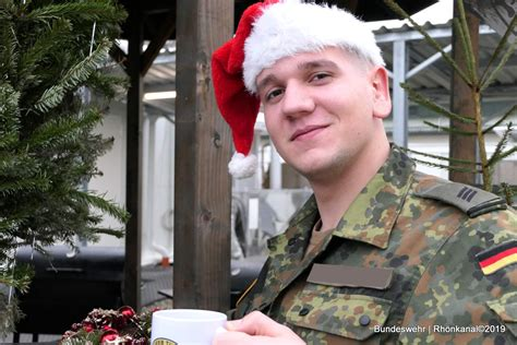 silvester weihnachten  litauen soldaten aus bad
