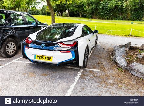 Bmw Electric Sports Car by Bmw I8 Sports Car In Hybrid Sports Cars Developed By