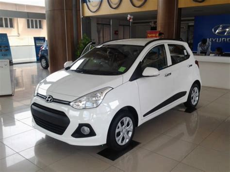 Hyundai Grand I10 Backgrounds by Hyundai Grand I10 Images Photos And Picture Gallery