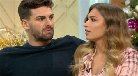 Zara mcdermott was an islander on season 4 of the revived series of love island. Zara McDermott in tears as 'idiot of the year' Adam ...