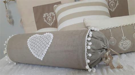 Cuscino Caramella Cuscino Caramella Con Applicazione Di Cuore In Pizzo E