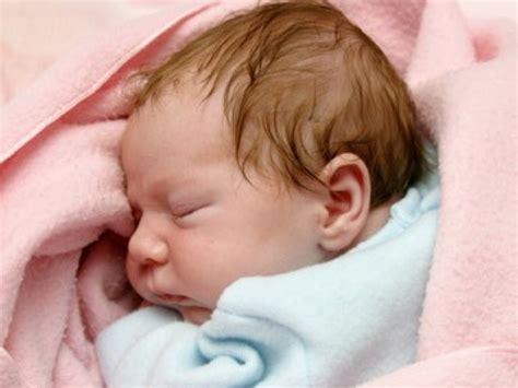 faire dormir bébé dans sa chambre faire dormir bébé dans lit conseils et astuces