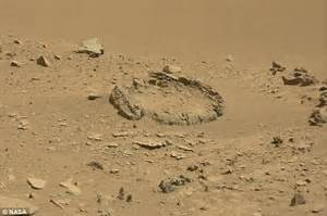 Fossilised 'alien bones' spotted on Mars by Curiosity ...