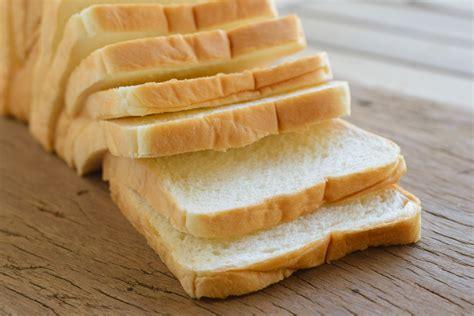 Resep dan cara membuat roti tawar rumahan yang super lembut dan anti gagal. Resep Roti Tawar Gandum Anti Gagal