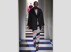 Oscar De La Renta NYFW FW17 – fashiontvcom