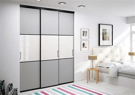 chambre à coucher sur mesure cuisine les portes en bois des placards dans la chambre ã