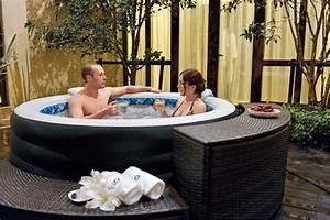 Outdoor whirlpool bezahlbarer luxus fur den garten for Whirlpool garten mit tauben abwehren balkon