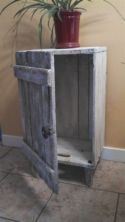 ways   sustainable  decorating  wooden crates