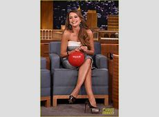 Full Sized Photo of sofia vergara chats with jimmy fallon