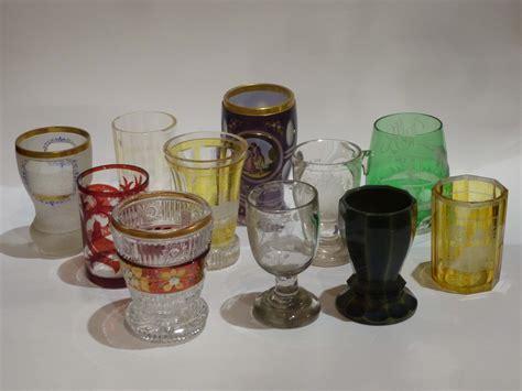 bicchieri antichi lotto di bicchieri bidermeier in cristallo inciso