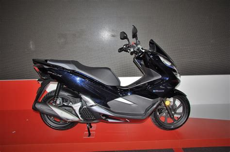 Pcx 2018 Hybrid Price by Boon Siew Honda Launched Pcx Hybrid Forza And New