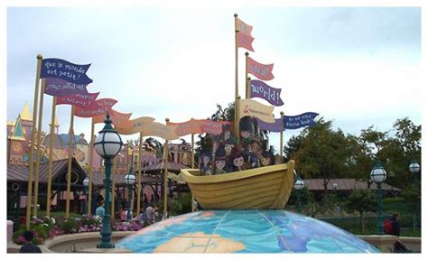 attraction la maison des poup 233 es disneyland