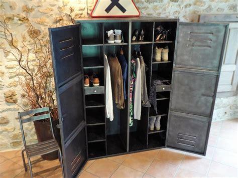 renover des armoires de cuisine armoire métal ées 50 industriel vintage dressing