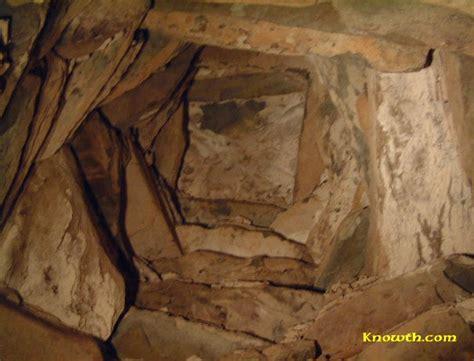 Corbelled Vault by Newgrange Interior Passage And Chamber New Grange