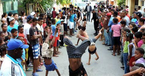 Gente, historias, pueblos, cosas, dominicanos! Juegos tradicionales dominicanos en Fiestas Patronales de Azua 2015 - Imágenes Dominicanas