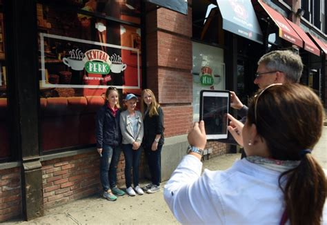 Joey tribbiani (matt leblanc) hung out while they weren't holding trivia contests or raising fowl in their new york apartments. 'Friends' fans flock to New York pop-up cafe 'Central Perk ...