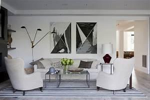 Wohnzimmer Deko Schwarz Weiss : wohnzimmer deko mit skulpturen und kunstwerken 50 ideen ~ Bigdaddyawards.com Haus und Dekorationen