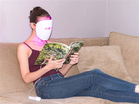 light therapy mask review neutrogena light therapy acne mask does it