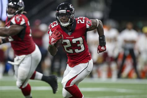 falcons  give rb brian hill  playing time
