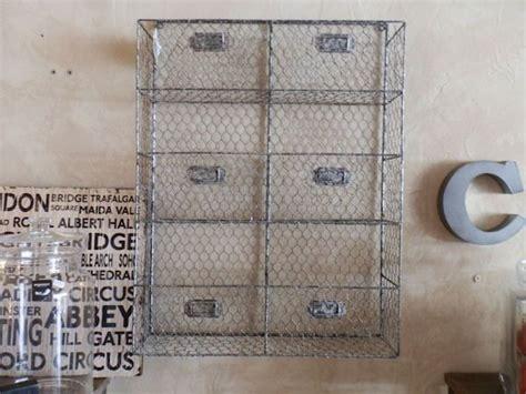 etagere metal salle de bain 24 best images about 12 home cuisine des 233 tag 232 res et des paniers on wall shelf