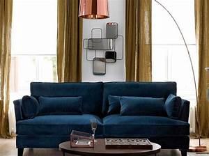 Canapé Lit Velours : 1000 id es propos de canap en velours bleu sur pinterest chaises de velours bleu canap ~ Teatrodelosmanantiales.com Idées de Décoration
