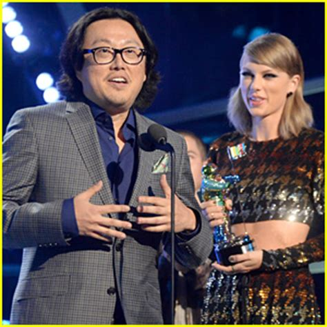 taylor swifts wildest dreams director defends video