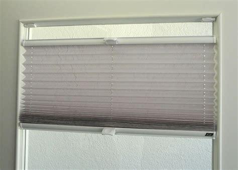 Rollo Auf Fensterrahmen by Plissee Mit Klemmtr 228 Gern Am Fensterrahmen Montieren