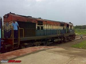 2600 BHP, 16 Cylinder, Diesel AT Locomotive - want a ride ...
