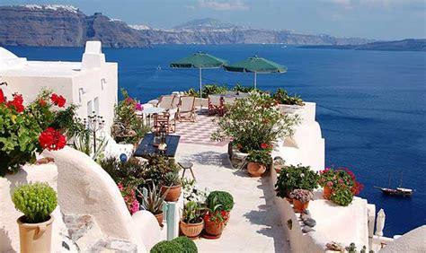 aris caves santorini aris caves hotels in oia santorini greece