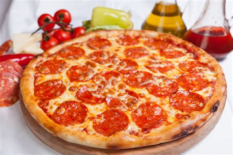 National Pepperoni Pizza Day 2018 Deals
