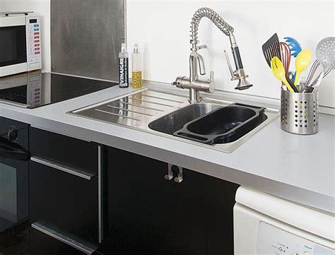 monter un robinet de cuisine cuisine montage des meubles et pose d 39 un évier