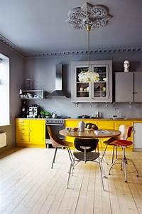Le gris dans la cuisine cocon de decoration le blog for Cuisine jaune et grise