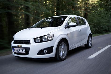Chevrolet Aveo Hatchback Review (2011  2015) Parkers