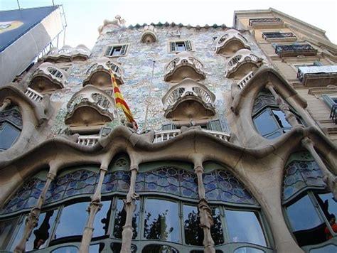 Arts And Crafts  Art Nouveau Protorracionalismo
