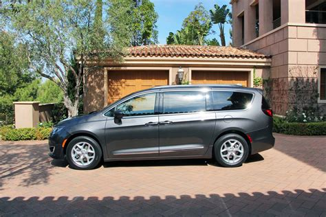Chrysler Pacifica Awd by 2017 Chrysler Pacifica Lovely American Minivan