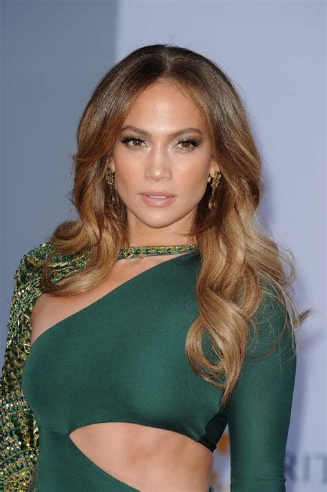 actress jennifer lopez actress largest navel cleavage hip waist photo collections