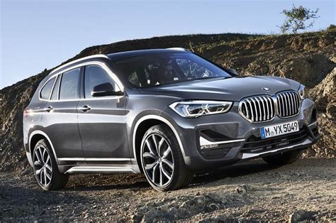 Siriusxm satellite radio is now standard, and led fog lamps are no longer part of the optional convenience or premium packages. 2020 BMW X1 Launched; How Is It Different From The Current ...
