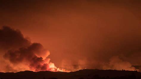 nurse narrowly escapes fire returns  save patients