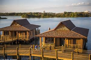 Disney Reveals Luxurious Overwater Bungalows For £1,400