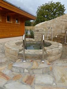 Sauna Im Garten : tauchbecken vor sauna wundersch n gestaltet von rheingr n sauna im garten in 2018 pinterest ~ Markanthonyermac.com Haus und Dekorationen