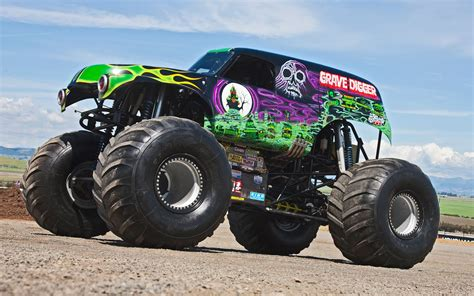 monster trucks grave digger ride along with grave digger performance video truck trend