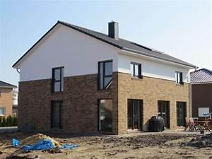 Modernes Landhaus Bauen : landhaus 191 landhaus grundriss modern mit knapp 200 qm ~ Bigdaddyawards.com Haus und Dekorationen