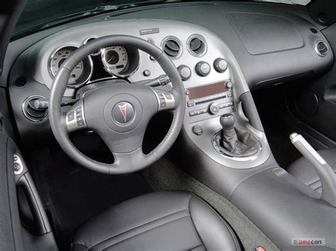Pontiac Solstice Interior by 2007 Pontiac Solstice Interior U S News World Report